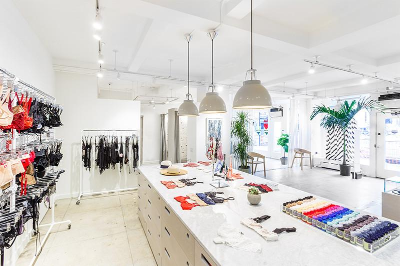 le pouvoir de la couleur unique by mode city fr. Black Bedroom Furniture Sets. Home Design Ideas